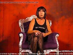 Mature Dominatrix MILF Nylon Pantyhose Worship Domina