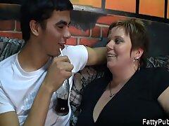 He screws big juggs big beautiful woman